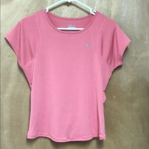 Reebok pink workout top size medium short sleeve